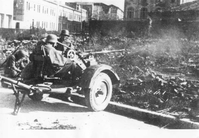 Il-cannoneggiamento-tedesco-verso-il-Macello-di-Porta-Lame